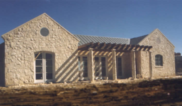ranch-house10_750x550